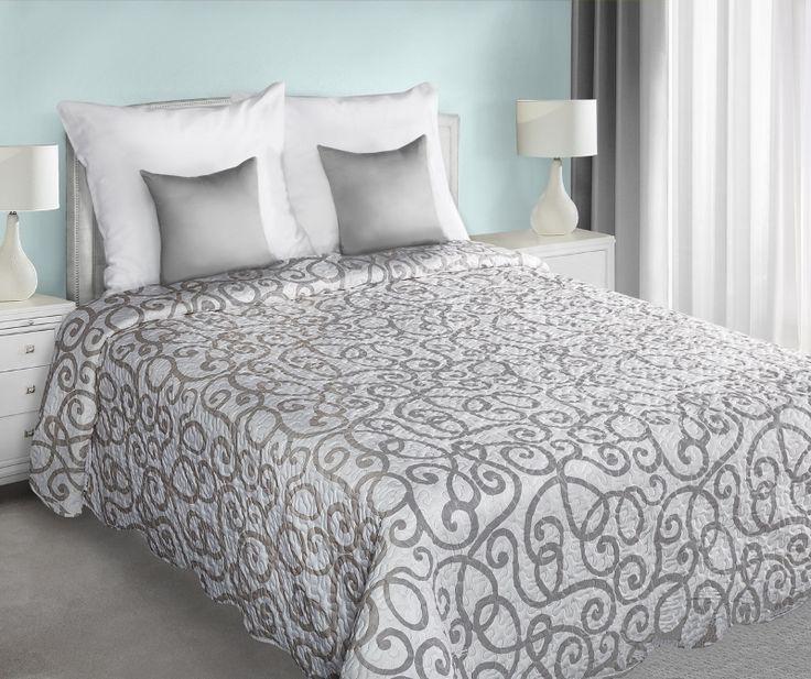 Bielo sivé prehozy obojstranné na posteľ s ornamentami