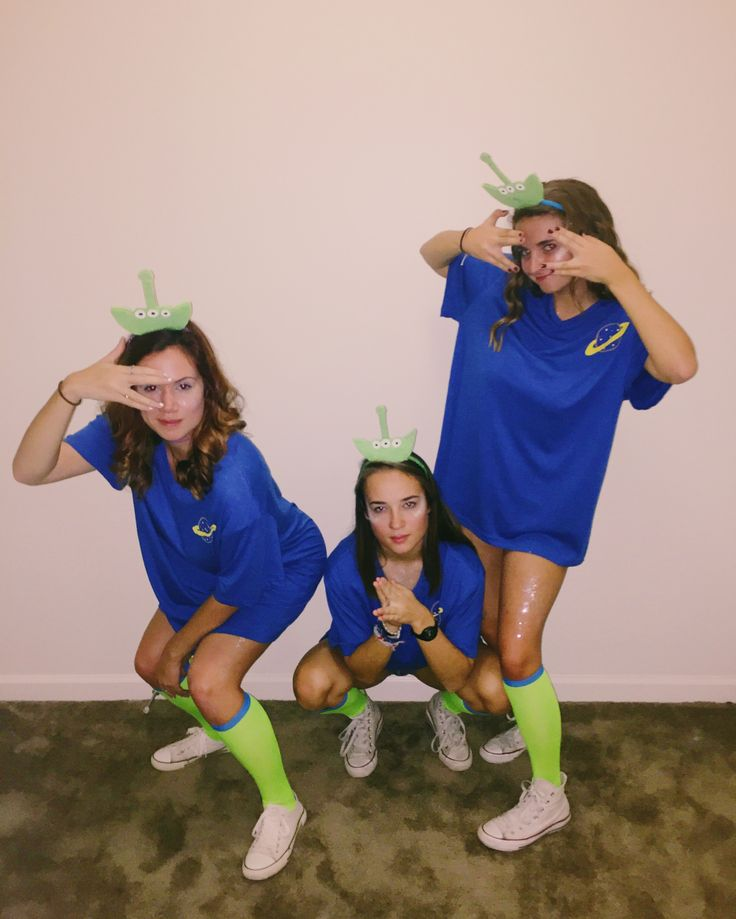 toy story aliens // group costume// credit: sabrina   #costumes #diy #college #h…
