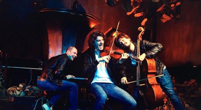 Het Trio d'Encore is ontstaan vanuit een hechte vriendschap, drie jongens met een gedeelde passie voor muziek. Caspar Vos (piano), Koen Stapert (viool) & Marcus van den Munckhof (cello) leerden elkaar kennen op het conservatorium van Amsterdam. Sinds 2012 spelen zij samen en in 2016 richtten zij het Trio d'Encore op. Het trio kenmerkt zich door gepassioneerd samenspel en onderscheidt zich door programma's rondom, de bij het publiek zo geliefde, encores te spelen.