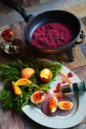 深紅のハーブ&ワイン塩 と 燻製卵とカラシ菜のサラダ 華やか自家製調味料 スパイス大使 × 豊菜JIKAN × スイスダイヤモンド|レシピブログ