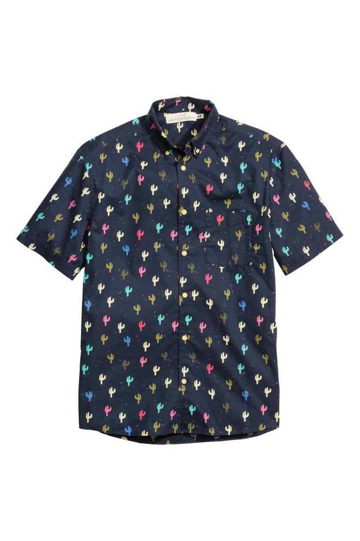 Camisa de algodón: Camisa en algodón con estampado, mangas cortas, cuello…