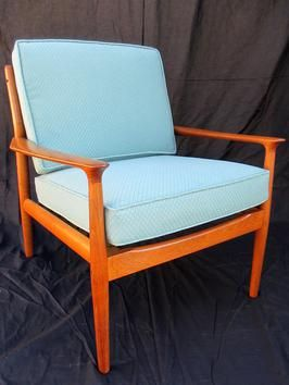 How to Refinish a Vintage Midcentury Modern Chair : Home Improvement : DIY NetworkVintage Midcentury, Mid Century Modern, Midcentury Modern, Midcentury Chairs, Modern Chairs, Dining Chairs, Danishes Chairs, Diy Network, Chairs Redo
