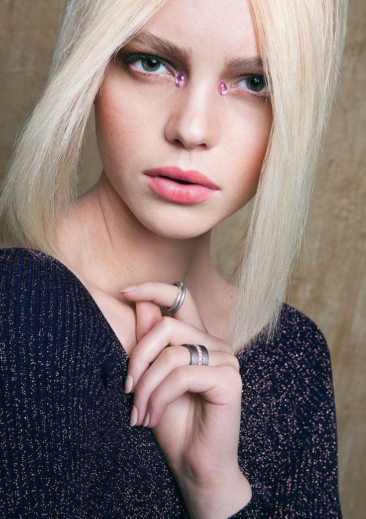Obscurae Magazine, Sinai Glow, by Joanna Pelirocha #fashion #beauty #makeup #hair #photography #pelirocha #sand #sinai #glow #obscuraemagazine #elegant #high-end #jewelry #natural #glitter #makeupinspiration #fashionphotography #haircolor #model #editorial