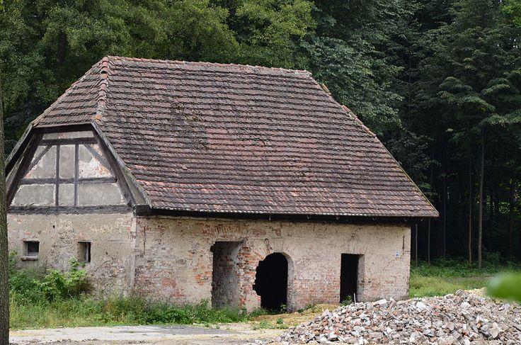 Zespół zabudowy Huty Paprockiej budynek gospodarczy - Huta Paprocka – Wikipedia, wolna encyklopedia