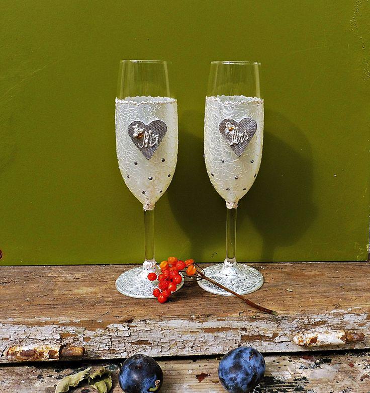 Wedding Flutes | Painted Flutes | Wedding Glasses | Toasting Flutes | Champagne Glasses | Toasting Glasses | Tall Glasses |  White Glasses by MariGlassAtelier on Etsy