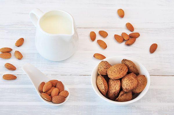 Миндальное молоко | Кулинарный журнал Stay Delicious