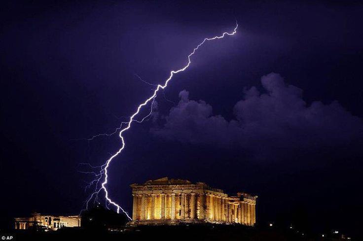 amazing photo in acropolis, athens