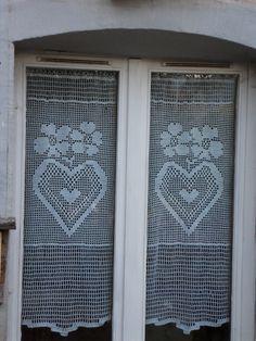 Rideau crochet fait main taille XL collection voisins je vous aime : Textiles et tapis par foux-elle