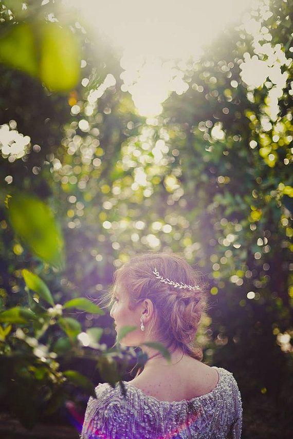 ラフな感じも◎秋の結婚式の花嫁衣装 髪型候補♡ウェディングドレス、カラードレスにも似合うヘアスタイルまとめ一覧♡