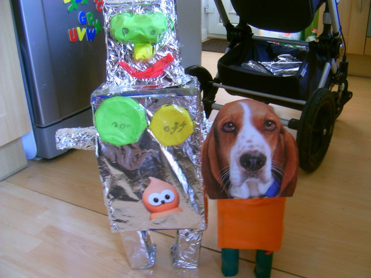 Junk Modelling - The Robot & the Dog