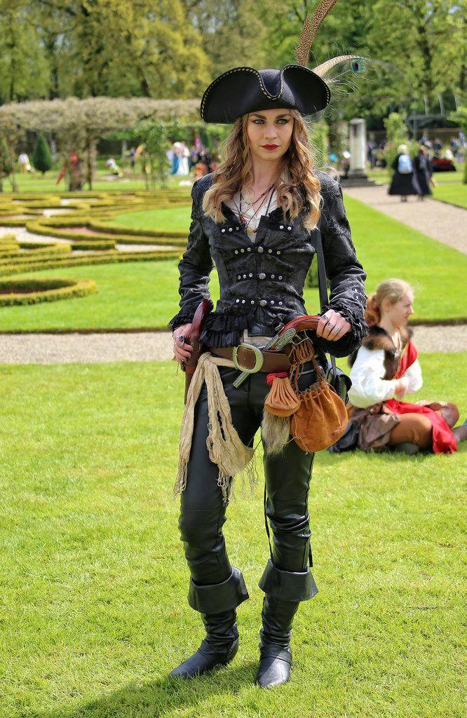 25 Jahre Elfia, Elf Fantasy Festival in Kasteel de Haar, Haarzuilen/NL    (note to self: let op de hoed)