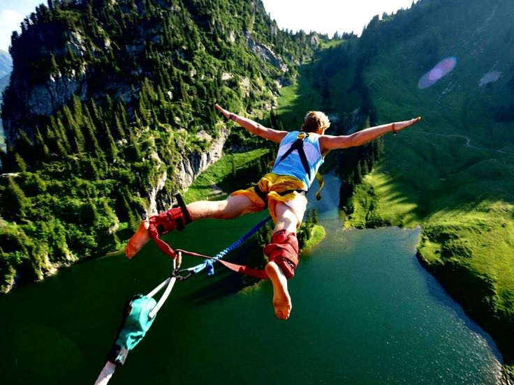 Thrills guaranteed with the Bungee Jump at the Tsitsikamma National Park! It is the third highest in the world. From a high of  216 meters, go into the air in front of majestic mountains and above a river.  If you've ever dreamt about it, it's now or never!!