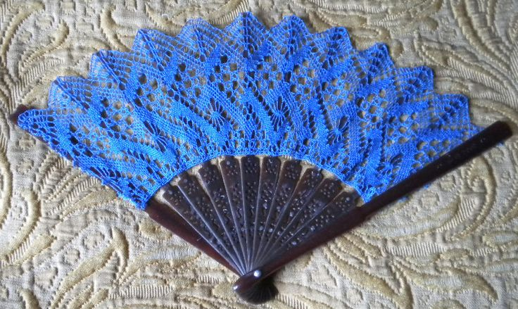 Lots of patterns for lace fans
