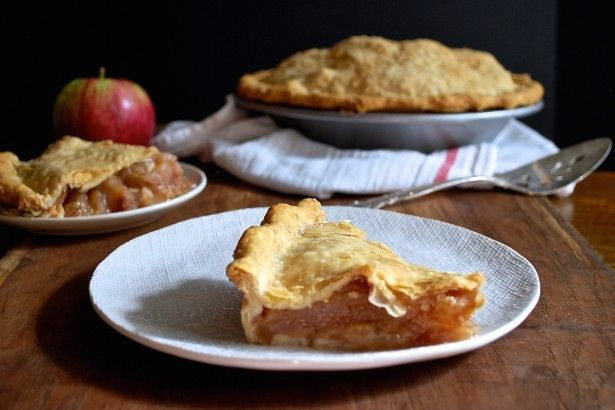 THE PERFECT APPLE PIE: TIPS FOR MASTERING A CLASSIC DESSERT