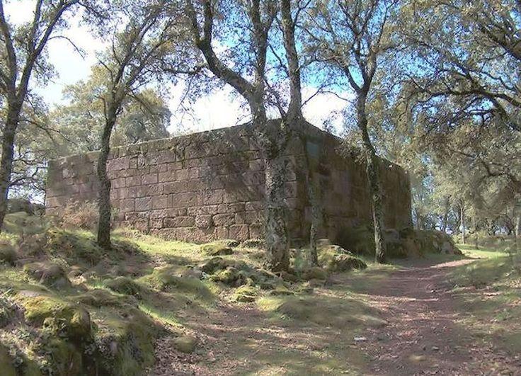 O castelo de Faria, ruinas