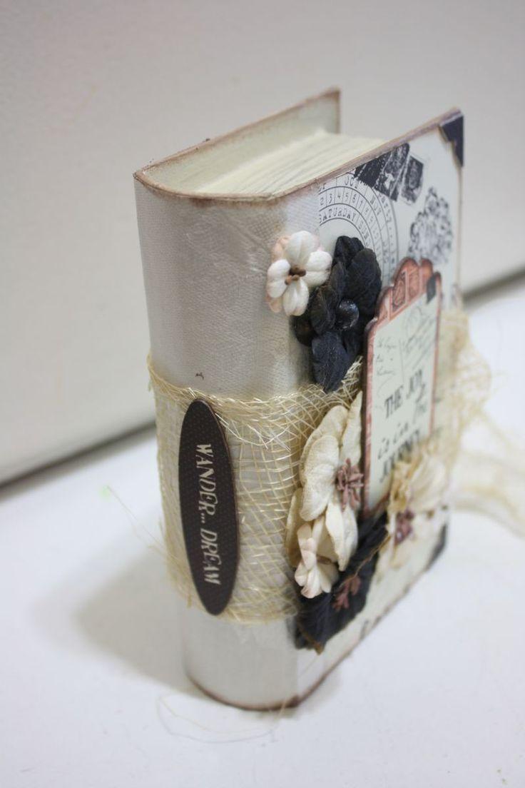 Petaloo and Quick Quotes Mothers Day Keepsake Gift Box
