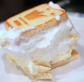 I LOVE banana pudding & Paula Deen - so this has got to be good!  Paula Deen: Not Yo' Mama's Banana Pudding