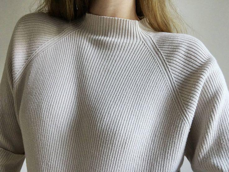 Vintage Ribbed Raglan Sleeve Mockneck Top http://etsy.me/2zkXoHw #clothing #women #tshirt #raglan #ribbed #mockneck #oatmeal #drape #turtleneck