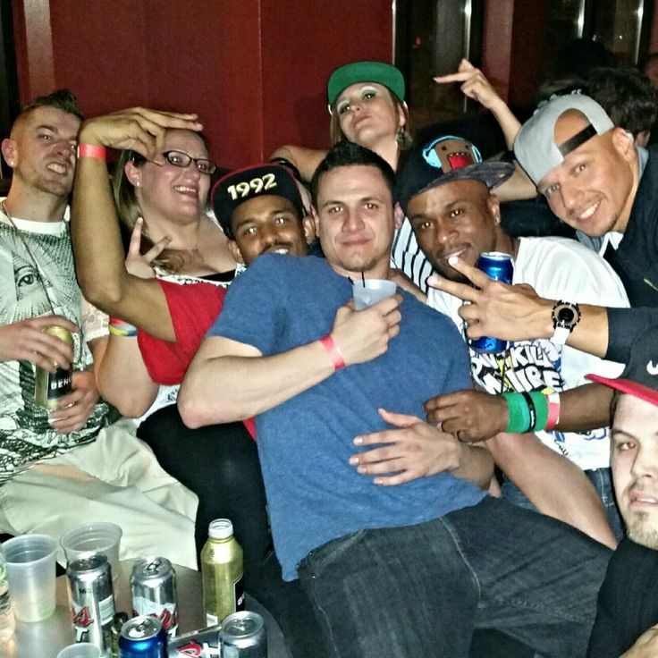 The gang in Moejoes @ the #MGK concert.  #AsonEntertainmentGroup #HustleHarderMusic #SavagePen #ProblemAddict