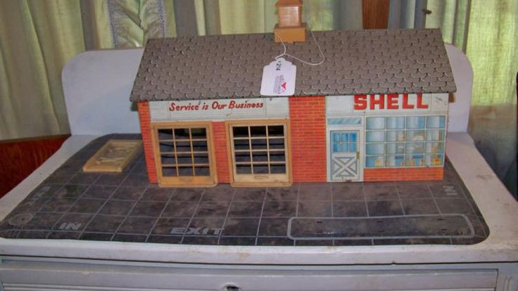 Past auction. Rudd Alfred Online Estate Auction. Bid on this cool antique toy gas station! #auction #antiquetoys #shellgas