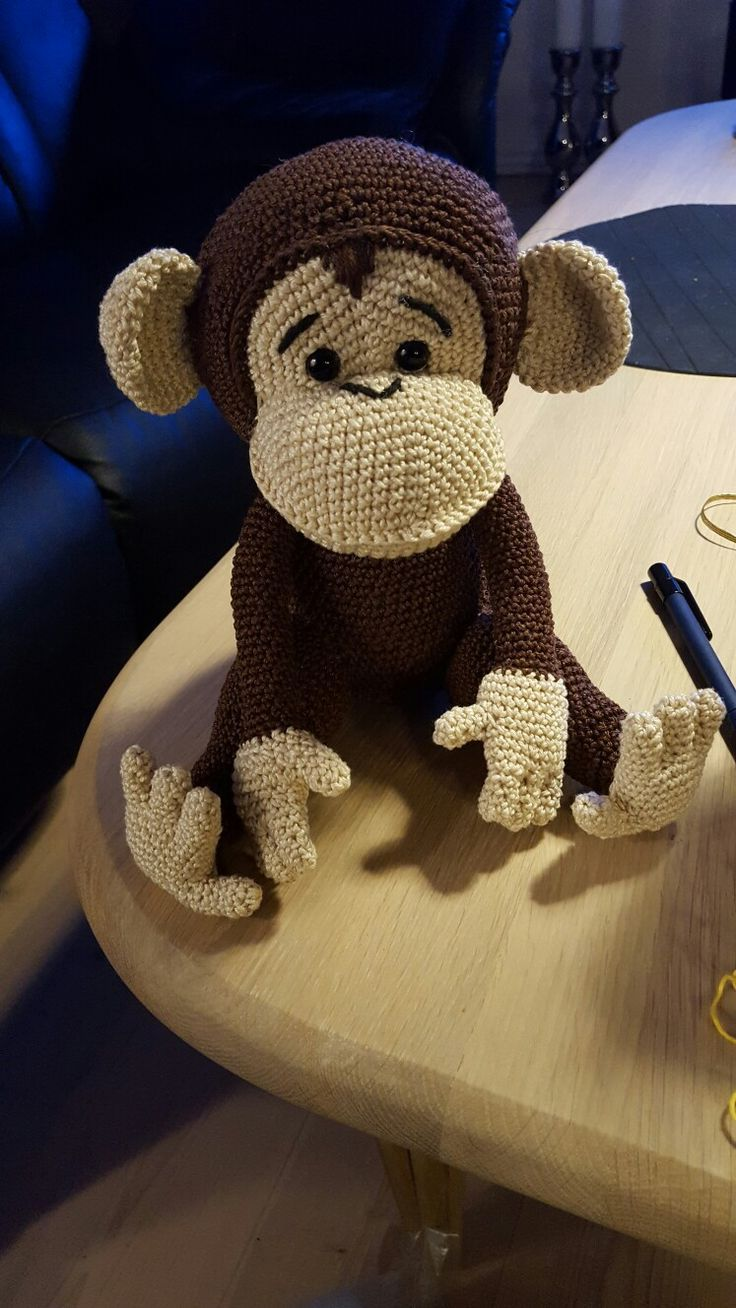 Naughty monkey amigurumi pattern   Crochet monkey pattern, Crochet ...   1308x736
