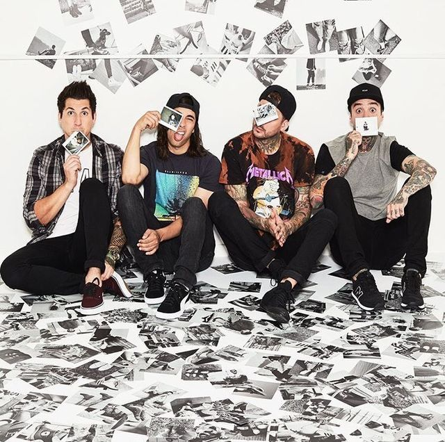 Pierce The Veil/// Vic Fuentes//Jaime Preciado//Mike Fuentes//Tony Perry/ Turtle