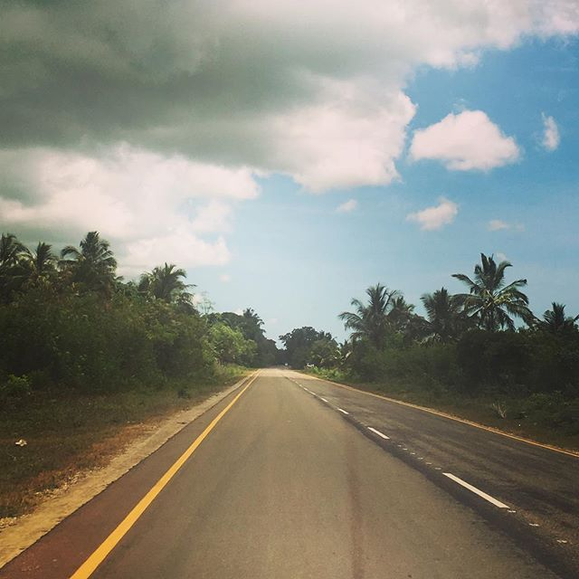 Out on the open road on the way to Nungwi - a beach town on the north of the island. #tanzania #zanzibar #africa #openroad #globetrotter #wanderlust