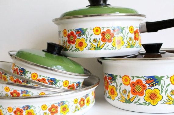 7 Piece Vintage Enamel Set  Flower Pots and Pans by greenbeing...for my dream kitchen: Enamels Sets, Dreams Kitchens, Vintage Kitchenware, Pieces Vintage, Vintage Kitchens, Flowers Pots, Vintage Enamels, Sets Flowers, Vintage Flowers