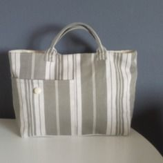Sac en tissu toile de matelas kaki clair et blanc à rayures création artisanale sac à main sac cabas