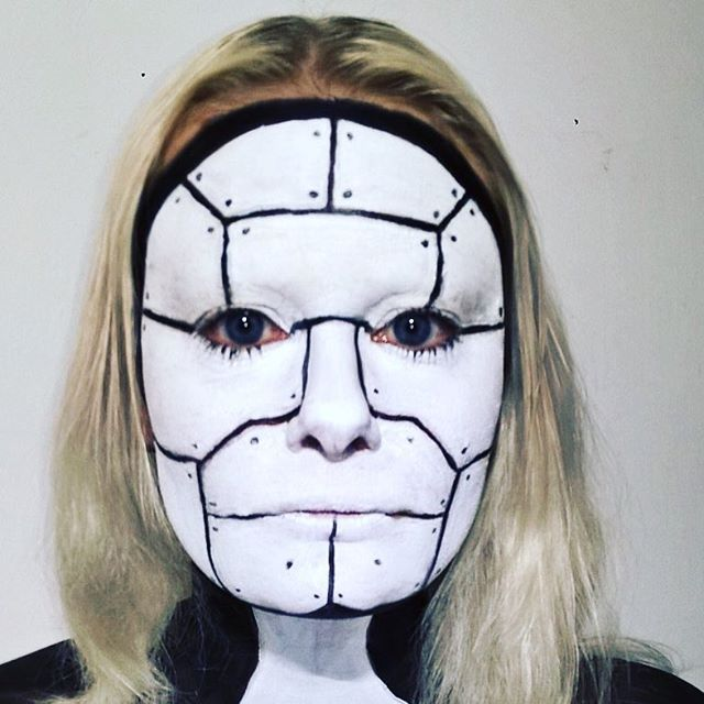 Makeup challenge. Day 66 - Human Robot Prototype. For more facepaint, sfx, makeup, costume and cosplay picture follow @mycharacterdesign on instagram. Makeup: Kristin Sunde. Model: Kristin Sunde.