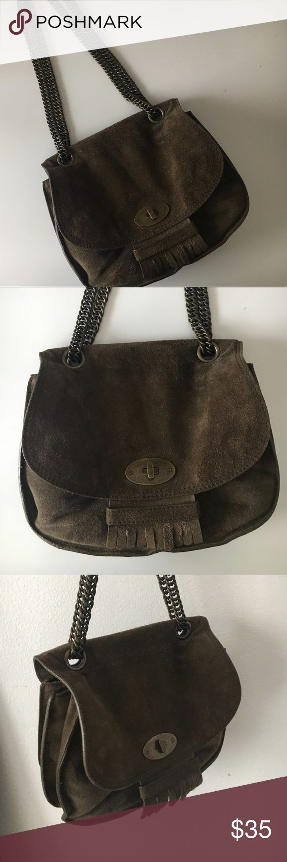 Madewell bag This was a Poshmark purchase. Low price due to shape of bag. The bag chain can be a shoulder bag or a cross body. No stains or wear and tear on fabric. Madewell Bags Shoulder Bags