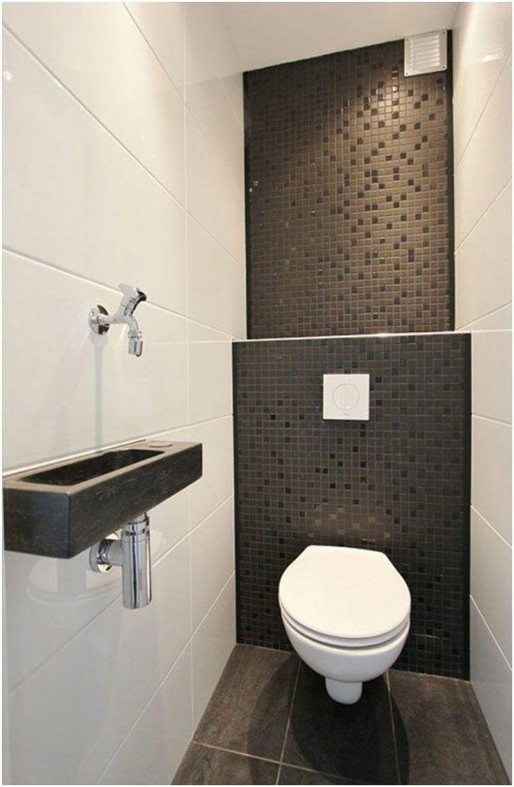 24 Idees Pour Le Revetement Mural De Ses Toilettes Carrelage Wc Deco Salle De Bain Amenagement Toilettes