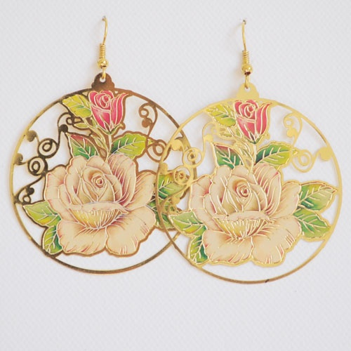 Delicate and pretty earrings with beautifully crafted roses on a lightweight metal. These roses are skilfully detailed in shades of pink and peach colours.