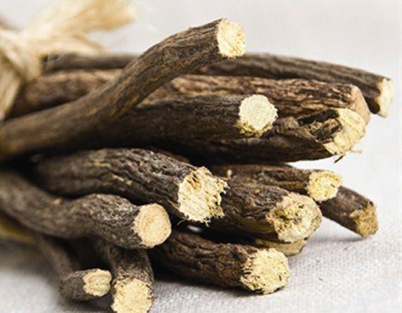La liquirizia è un arbusto delle Leguminose, alto l,50 metri, con foglie…