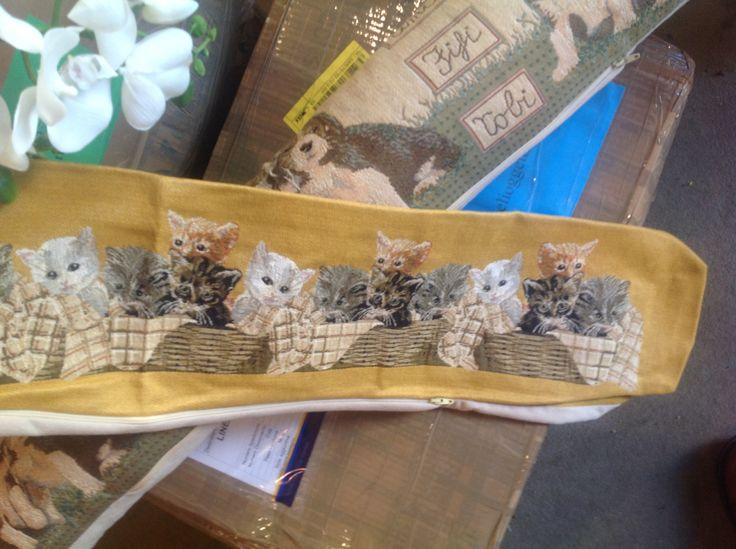 Delizioso tappetino con gattini