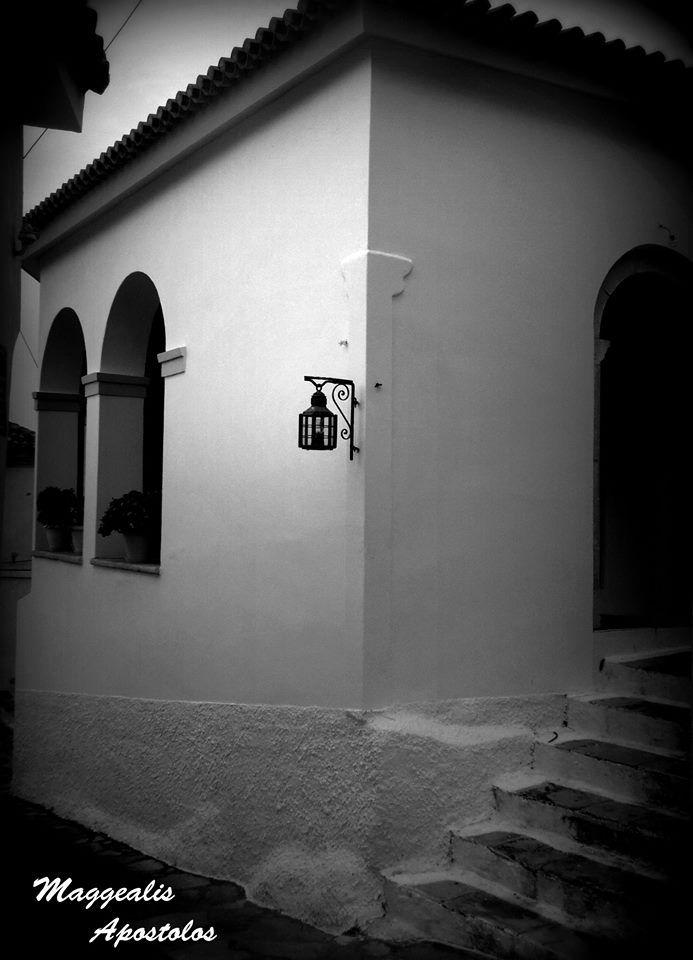 Λεπτομέρεια Εκκλησίας στο Παλαιό Καρλόβασι - Church detail in Palaio Karlovassi