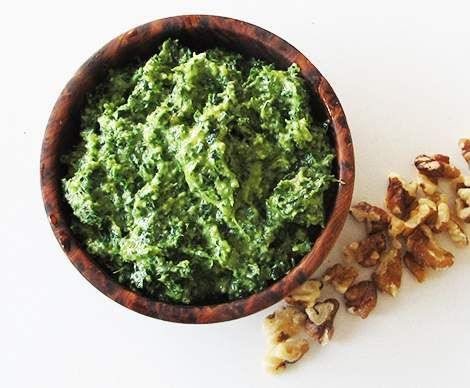 Recipe Kale & Walnut Pesto by Boiled Eggs and Soldiers - Recipe of category Sauces, dips & spreads