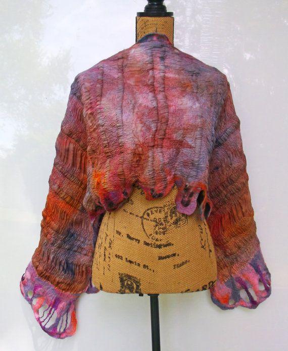 Nuno vilten sjaal paars en tinten van Oranje Eco-mode OOAK