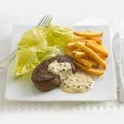 Biefstuk Met Groene Pepersaus En Verse Frites recept   Smulweb.nl