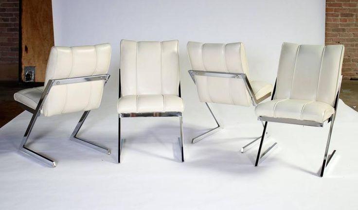 Krómozott lábú fotel
