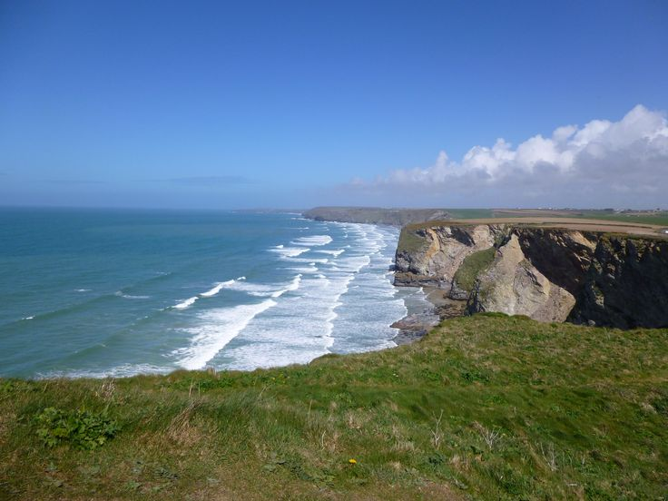 We own a house in Cornwall! I adore it up there, and one day hope to open up a veterinary practice there! <3