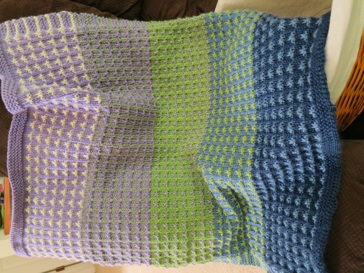 Two Color Baby Blanket Knitting Pattern : 1000+ images about Knit Blankets on Pinterest