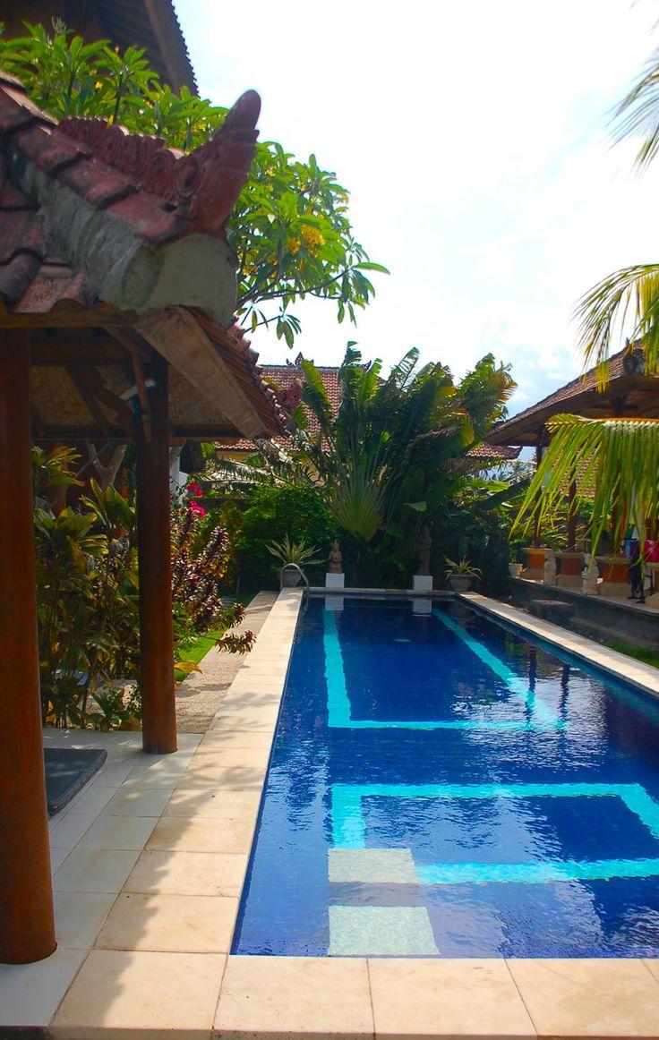 Cool blue Villa Sinar Cinta Amed Bali www.sinarcinta.com