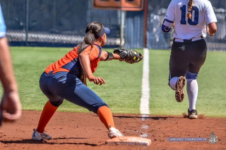 Related Articles   Middle Tennessee scored five runs right off the bat to take a 5-0 lead in the first inning, but UTEP racked up 10 unanswered runs to hold on for a 10-7 series clinching victory on Sunday at the Helen of Troy Softball Complex. The Miners (7-19, 2-4 Conference USA) and Blue...