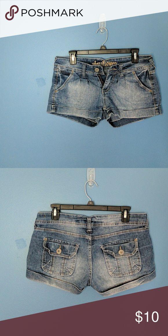 Wallflower jean shorts Wallflower Jean shorts size 5 Wallflower Shorts Jean Shorts
