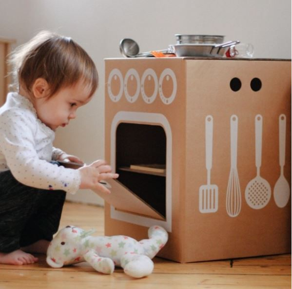 Endless fun using our imagination with Flatout Frankie! The best ecological toys are online!