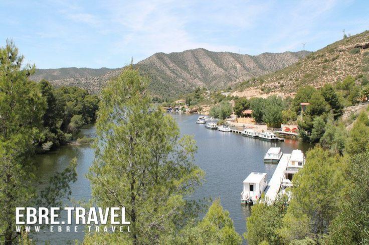 Coneixeu #RibarojadEbre, a la #RiberadEbre? #BadiaTucana, agradable lloc, a la vora del #riu.  Conoces #RibarojadEbre, a la #RiberadEbre? #BadiaTucana, agradable lugar, a orillas del #rio.  Do you know #RibarojadEbre, in #RiberadEbre? #BadiaTucana, nice place, on the #river banks.