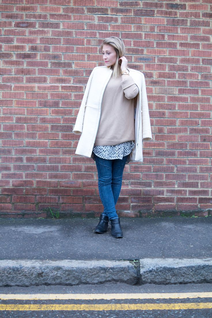 - PRIMETIME CHAOS - A camel knit and cream coat make my perfect outfit. Shop all the products on my blog!  #fashionblog #fashionblogger #ootd #whatiwore