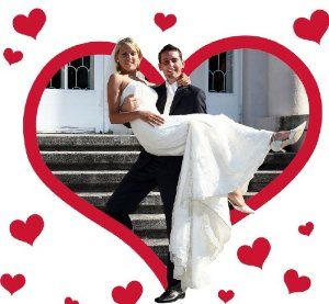 """Hochzeitsspiele - Hochzeitsherz - Hochzeitsspiele für das Brautpaar. Stoff mit Herzmotiv inkl. 2 Scheren. Braut & Bräutigam können das Herz ausschneiden. So lösen sie die """"Aufgaben einer Trauzeugin"""". Hochzeit Herz zum Ausschneiden."""