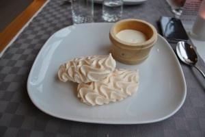 Meringues et double crème de la Gruyère http://www.journaldemary.ch/fribourg